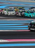 Jack Young domine le Clio Cup Open au Circuit Paul Ricard